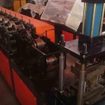 100U型隔墙龙骨机_100型隔墙龙骨生产设备