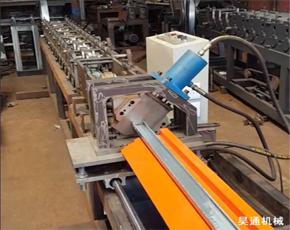 50轻钢隔墙龙骨机生产视频