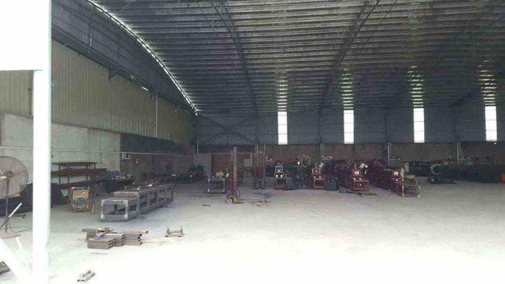 龙骨机设备组装工厂环境